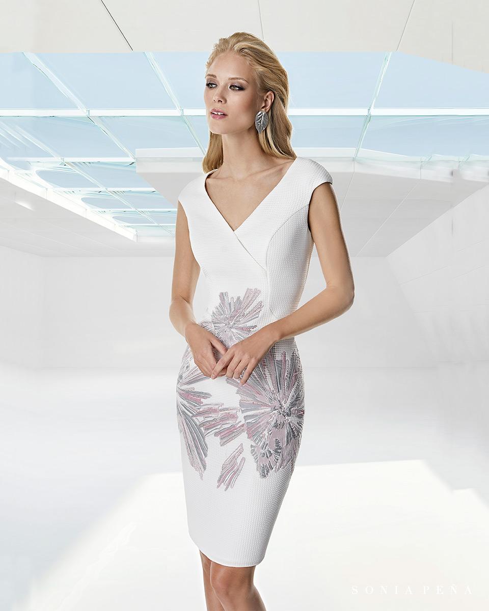 Vestido curto. Colecção Primavera-Verão Trece Lunas 2020. Sonia Peña - Ref. 1200035A