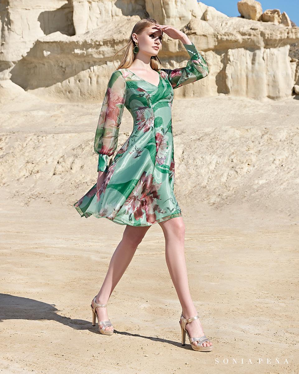 Vestido curto. Colecção Primavera-Verão Trece Lunas 2020. Sonia Peña - Ref. 1200109