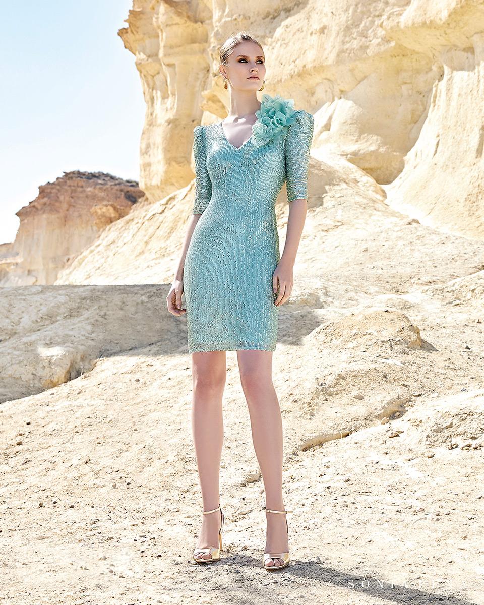 Vestido curto. Colecção Primavera-Verão Trece Lunas 2020. Sonia Peña - Ref. 1200125