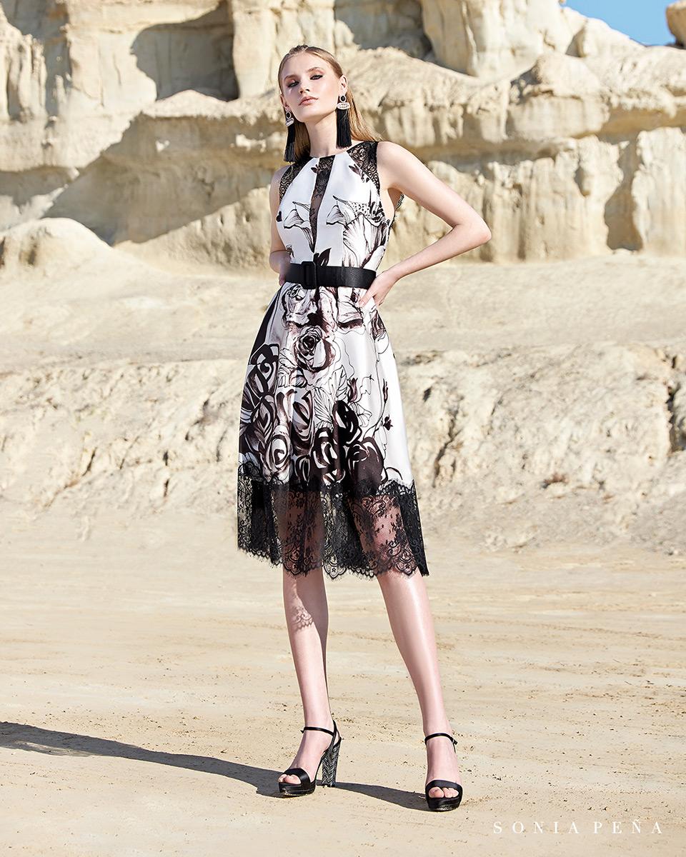 Short dress. Spring-Summer Trece Lunas Collection 2020. Sonia Peña - Ref. 1200134