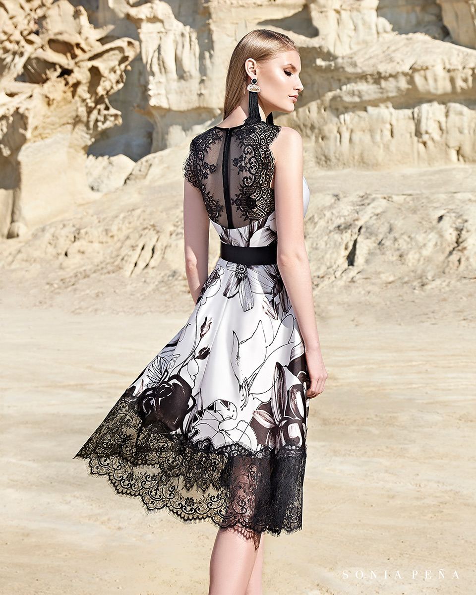 Kurzes Kleid. Frühling-Sommer-Kollektion Trece Lunas 2020. Sonia Peña - Ref. 1200134
