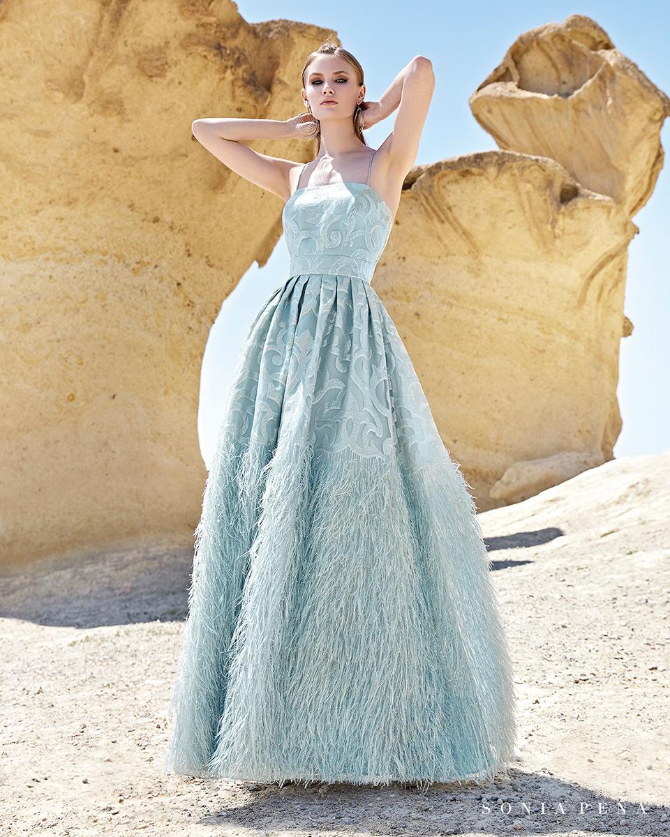Vestido longo. Colecção Primavera-Verão Trece Lunas 2020. Sonia Peña - Ref. 1200137