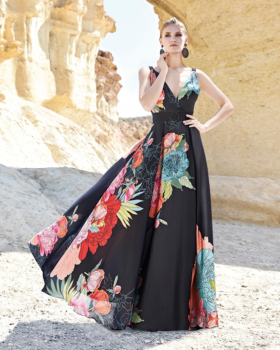 Vestido longo. Colecção Primavera-Verão Trece Lunas 2020. Sonia Peña - Ref. 1200166